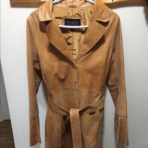 Vintage leather trench!